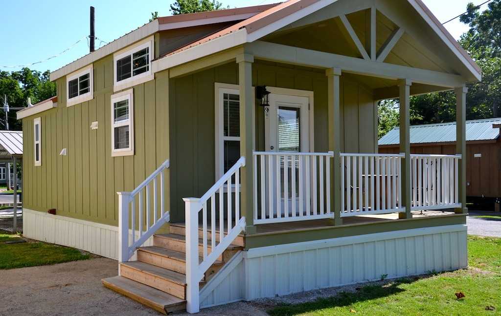 Tiny house trend emerging in arkansas with seniors in for Home builders in arkansas