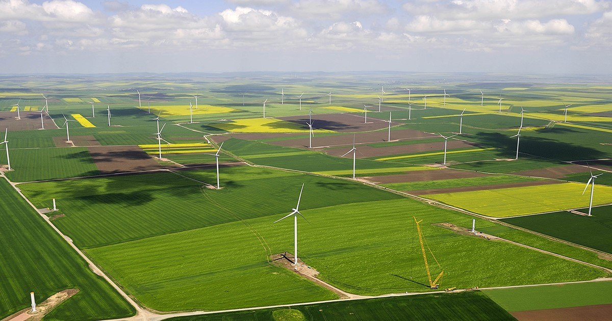 SWEPCO plans to add 810 megawatts of wind energy by 2022 thumbnail