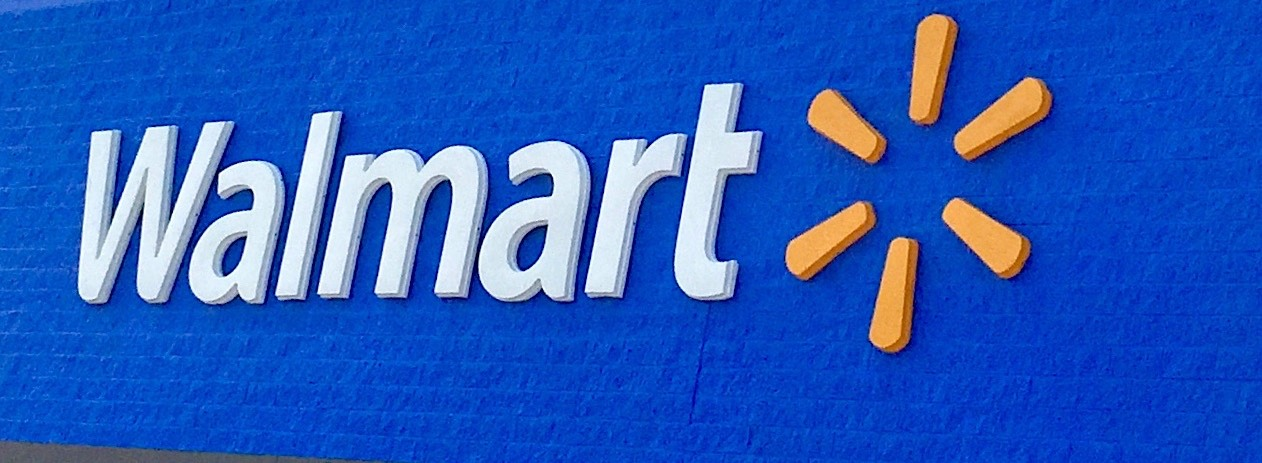 Walmart expands education benefits to employees thumbnail