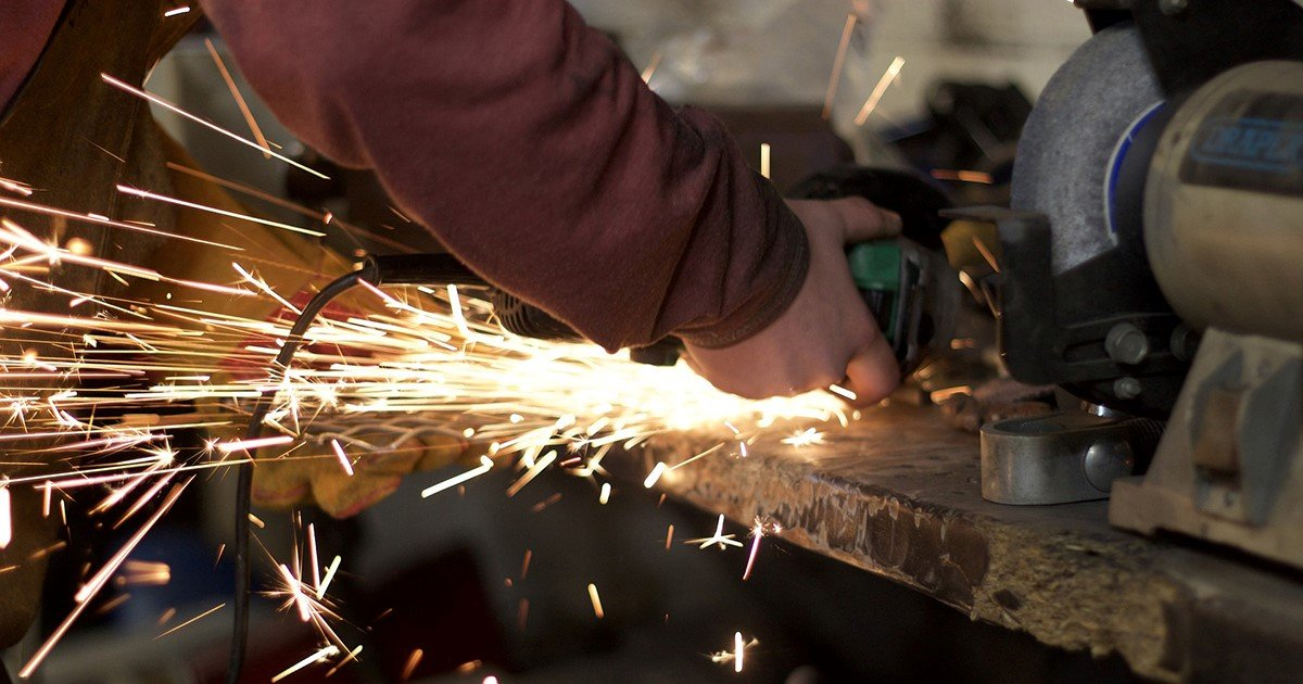 Industrial manufacturing, manufacturing output decreased in July thumbnail